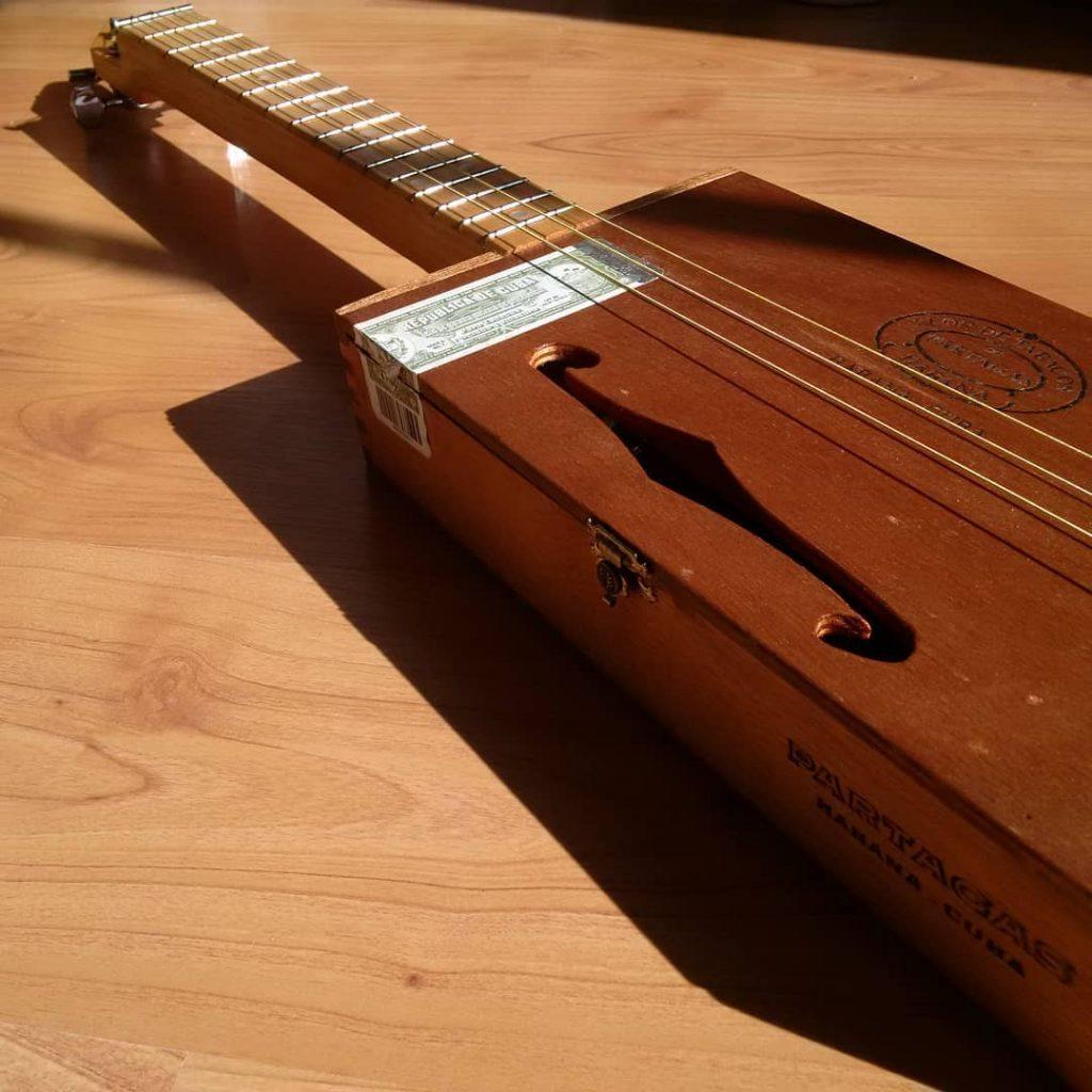 Cigar Box Guitar UK